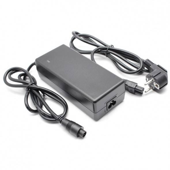 Chargeur Neomouv 42V pour batterie Panasonic 9Ah ou 11Ah